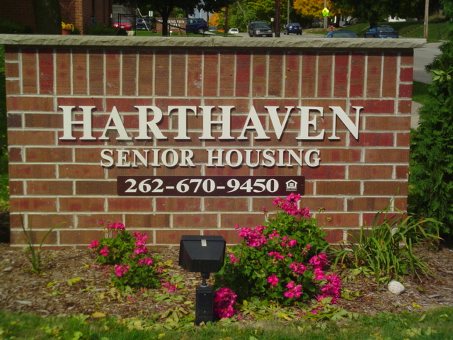 Harthaven Senior Housing 262-670-9450 Sign