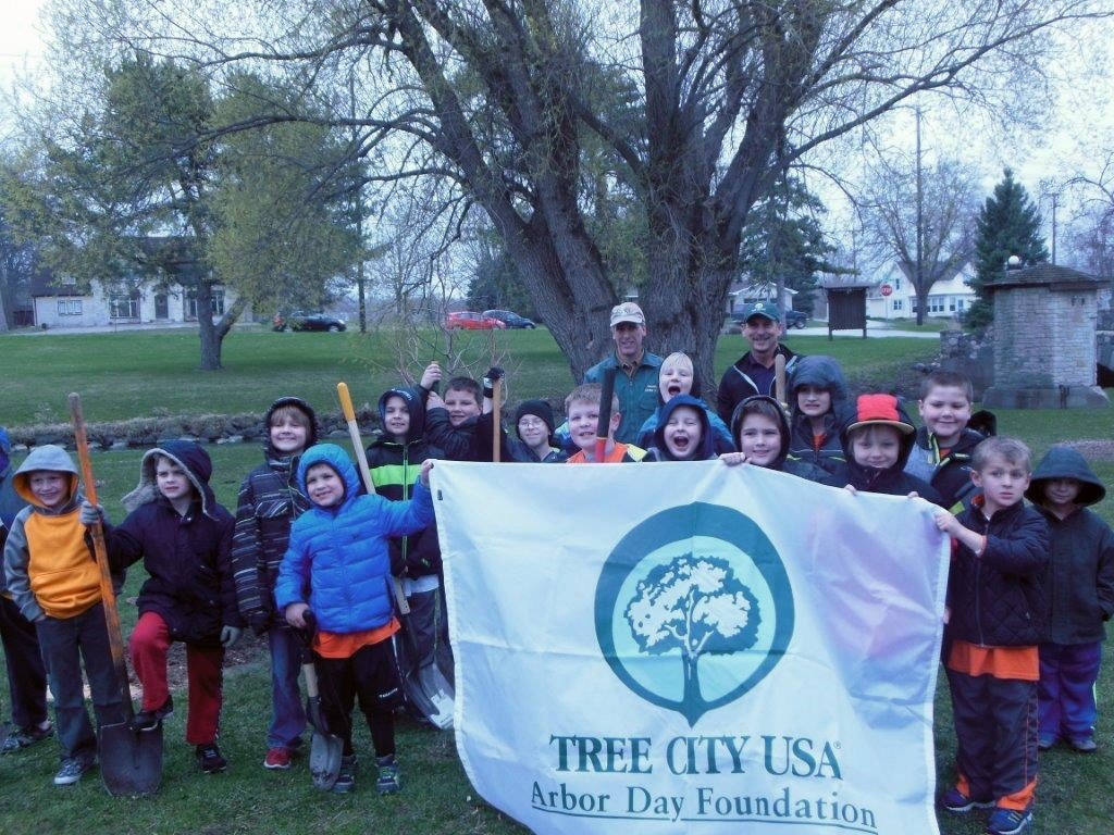 Group Picture for Arbor Day Tree Planting 2015
